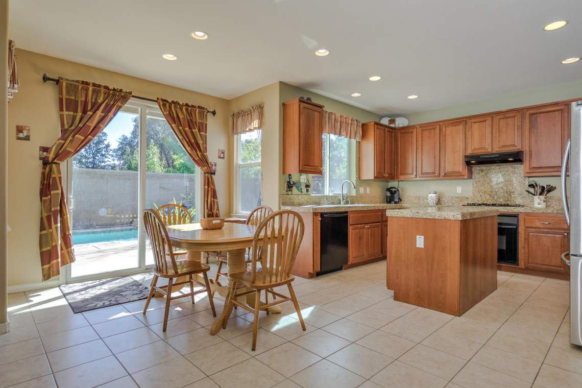 1181 Fergusen Way Folsom CA-large-010-12-Breakfast Area-1500x1000-72dpi