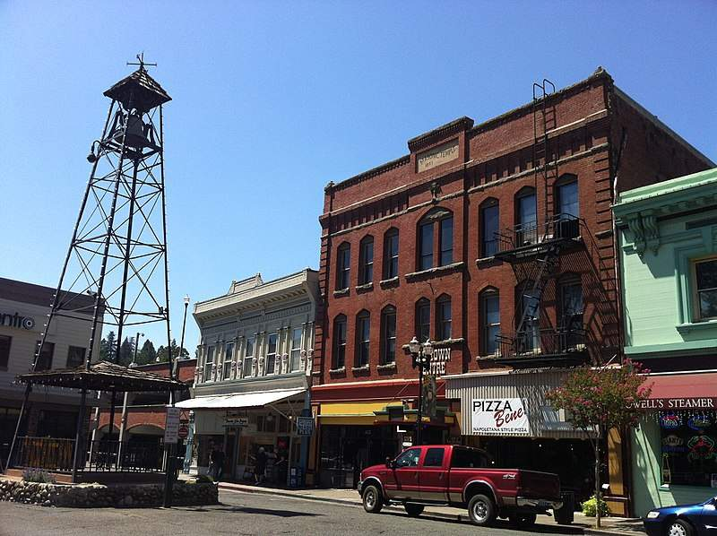 800px-Placerville_California_Bell_Tower_-_panoramio